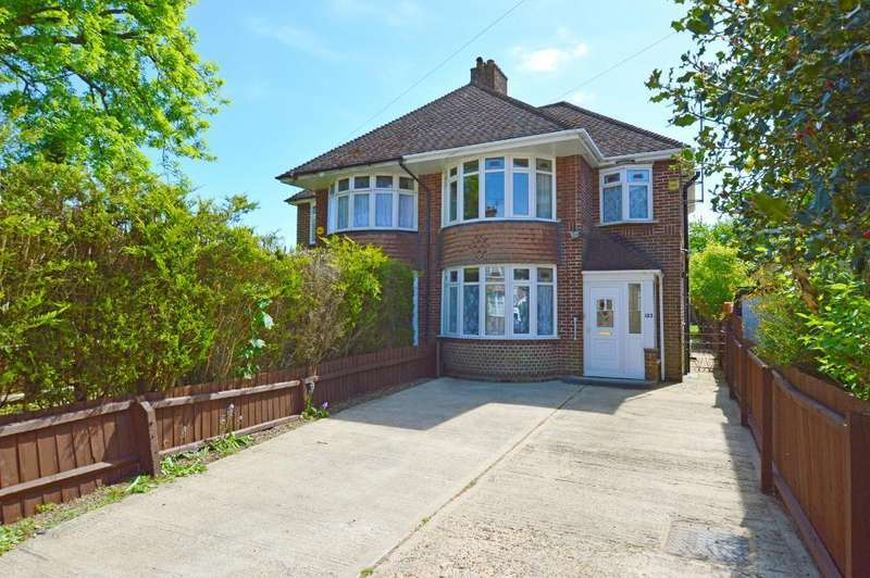 3 Bedrooms Semi Detached House for sale in Stockingstone Road, Round Green, Luton, LU2 7NG