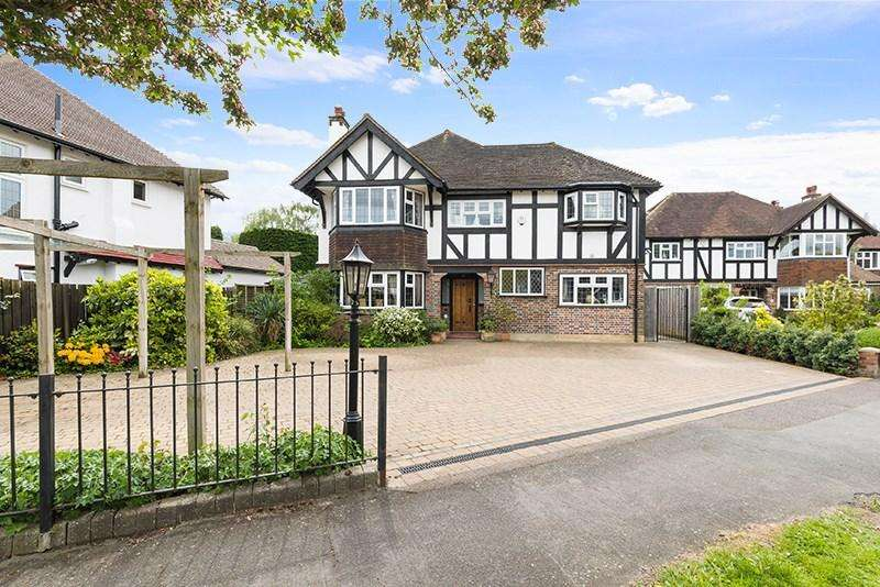 5 Bedrooms Detached House for sale in Queens Acre, Cheam, SM3