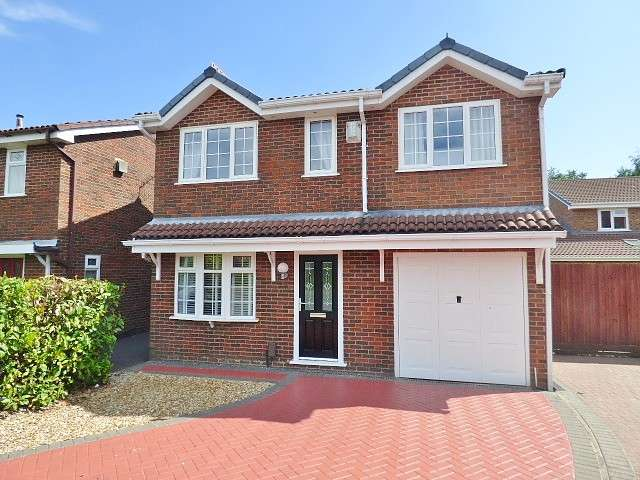 4 Bedrooms Detached House for sale in Vincent Close, Old Hall, Warrington