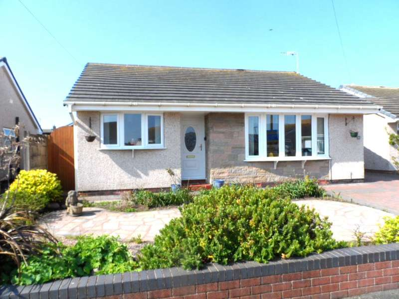 3 Bedrooms Detached Bungalow for sale in Yew Court, Fleetwood, FY7 8QJ