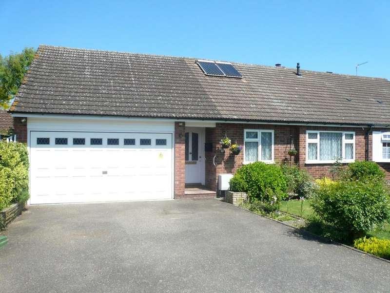 3 Bedrooms Bungalow for sale in Arundel Close, Cheshunt, EN8