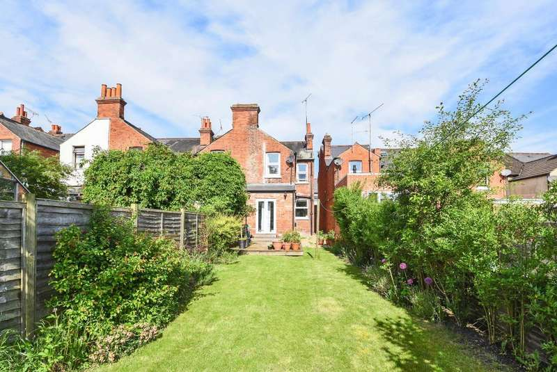 3 Bedrooms House for sale in Beecham Road, Reading, RG30