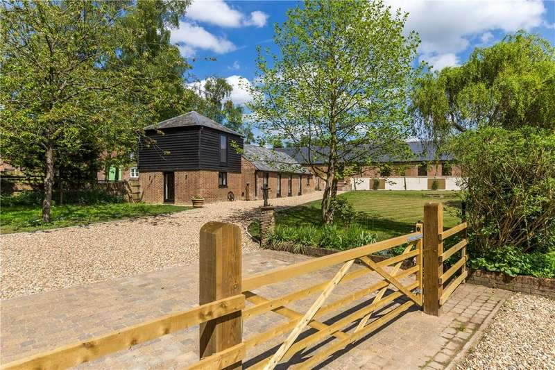 6 Bedrooms Barn Conversion Character Property for sale in The Lynch, Kensworth, Bedfordshire