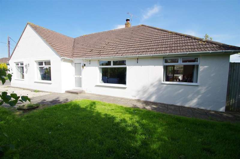 6 Bedrooms Detached Bungalow for sale in Second Field Lane, Braunton