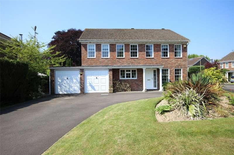 5 Bedrooms Detached House for sale in Dukes Close, Alton, Hampshire, GU34