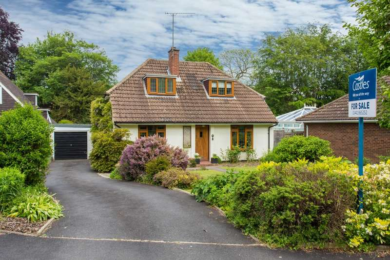 4 Bedrooms Detached House for sale in The Meads, Northchurch