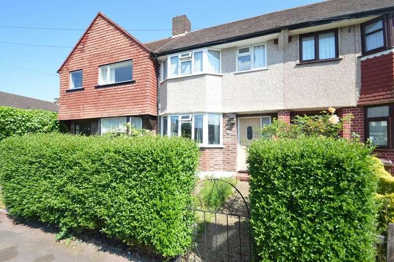 3 Bedrooms Terraced House for sale in Sedgemoor Drive, Dagenham