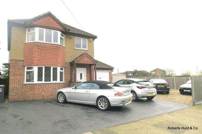 3 Bedrooms Detached House for sale in SPINNEY DRIVE, BEDFONT