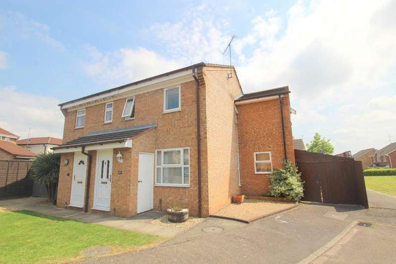 3 Bedrooms Semi Detached House for sale in Ailesbury Road, Ampthill, Bedfordshire, MK45 2XB