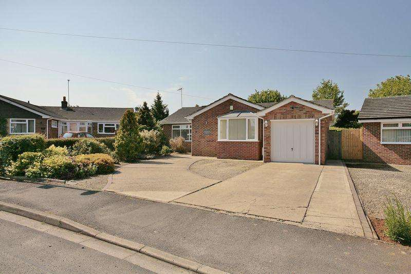 4 Bedrooms Detached Bungalow for sale in 7 Byron Road, Banbury
