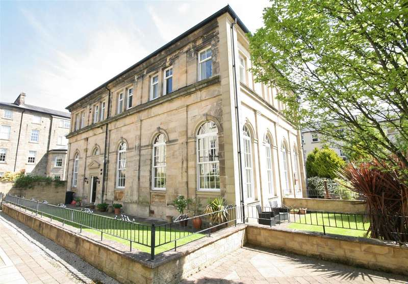 4 Bedrooms Semi Detached House for sale in The Piazza, Lancaster