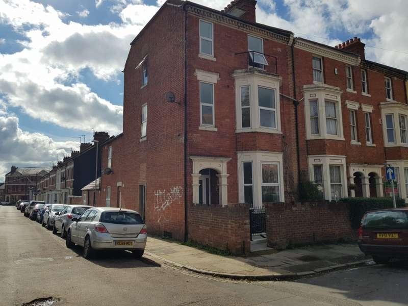 2 Bedrooms Flat for rent in St Michaels Mount, Abington, NN1 4JG