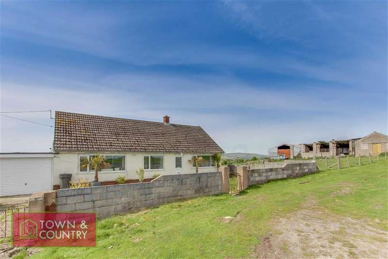 3 Bedrooms Detached Bungalow for sale in Wern Road, Rhosesmor, Mold, Flintshire