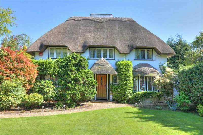 3 Bedrooms Detached House for sale in Woodlea Way, Ampfield, Hampshire