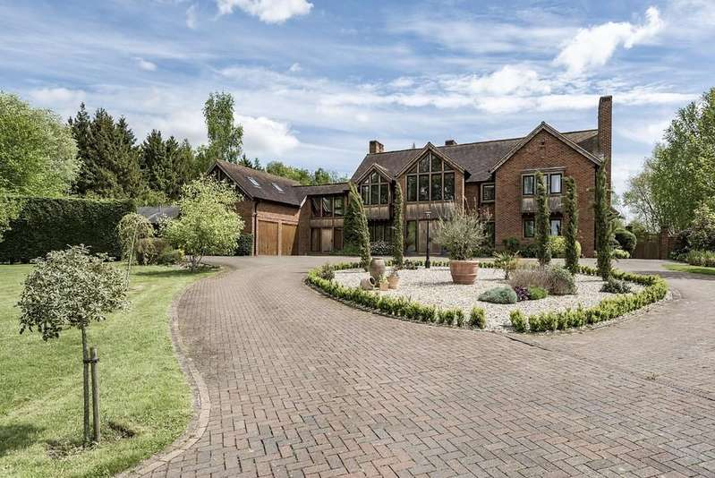 4 Bedrooms Detached House for sale in Rookery Lane, Henley In Arden
