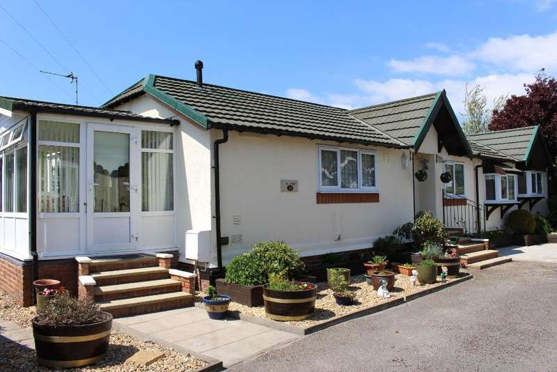 2 Bedrooms Park Home Mobile Home for sale in Stalmine Country Park, Stalmine, FY6 0LW