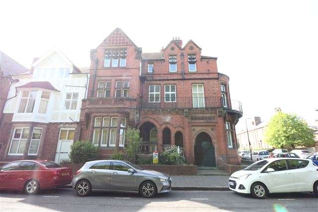1 Bedroom Flat for sale in Red Gables, Chatsworth Square, Carlisle, Cumbria, CA1 1HE