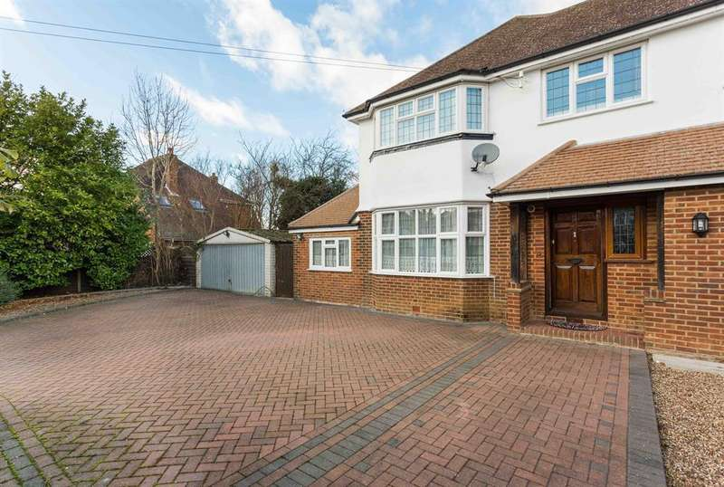 6 Bedrooms Detached House for sale in Shaw Crescent, Sanderstead, South Croydon, CR2 9JB
