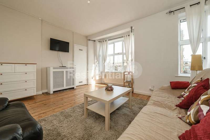 1 Bedroom Flat for sale in Denmark Road, Camberwell, SE5