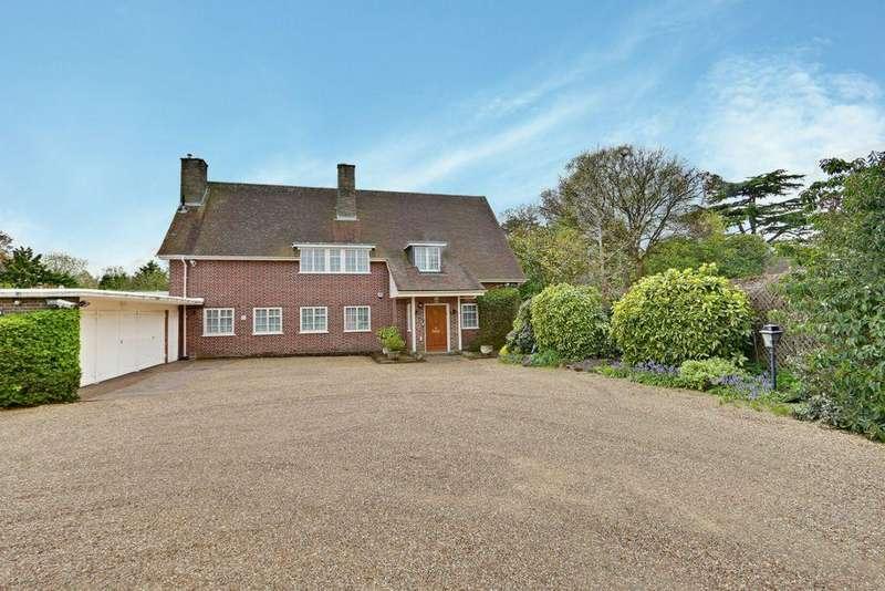 4 Bedrooms Detached House for sale in Hadley Common, Hadley Common, EN5