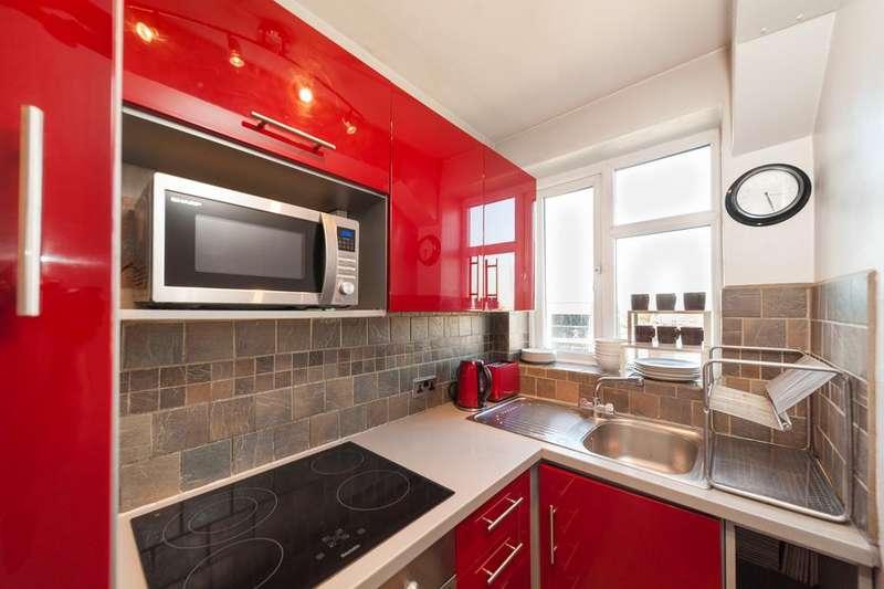 2 Bedrooms Flat for sale in Sandhurst Court, Acre Lane, Brixton, London SW2