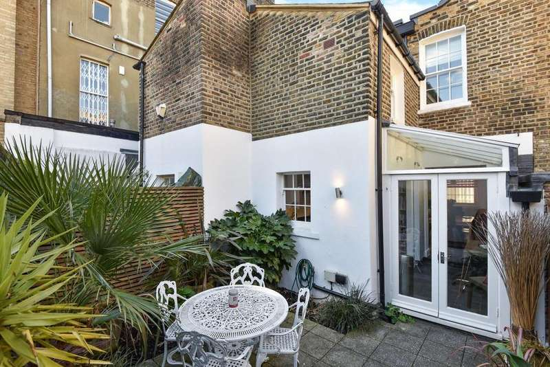 3 Bedrooms Terraced House for sale in Aulton Place, Kennington