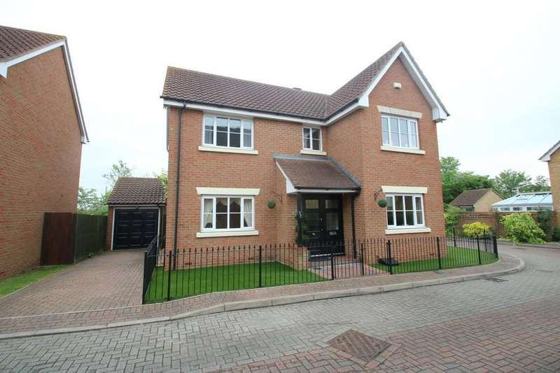4 Bedrooms Detached House for sale in Nelson Road, Ashingdon