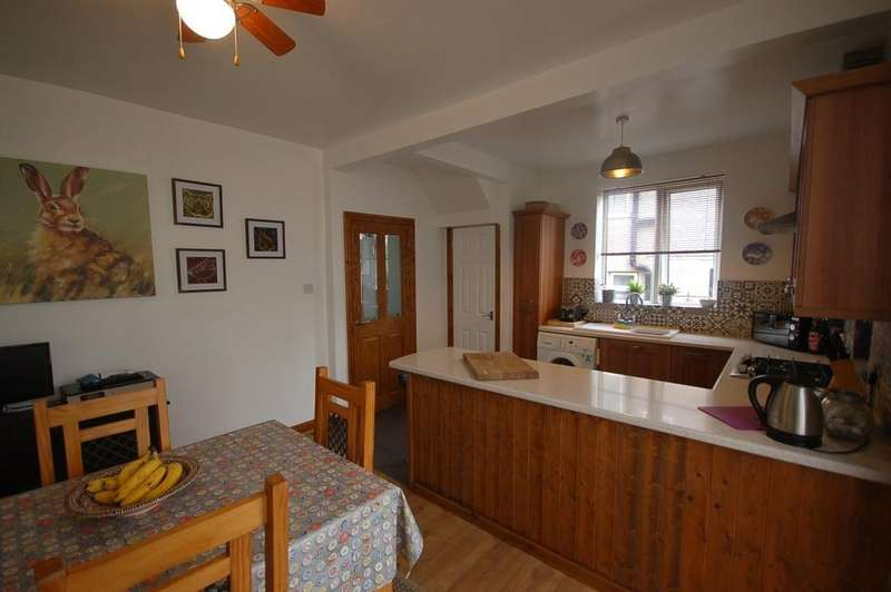 3 Bedrooms Semi Detached House for sale in Shadsworth Road, Blackburn
