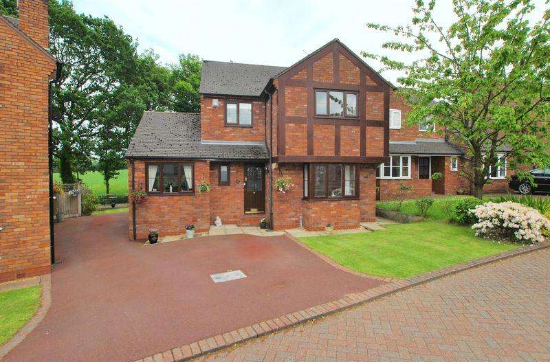 4 Bedrooms Detached House for sale in Churchwood View, Lymm, WA13 0PU