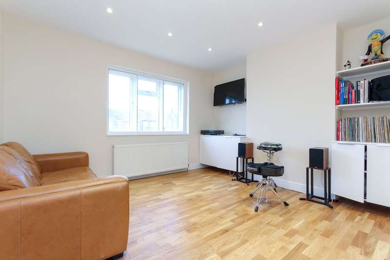 1 Bedroom Apartment Flat for sale in Northway Court, Green Avenue, London, NW7