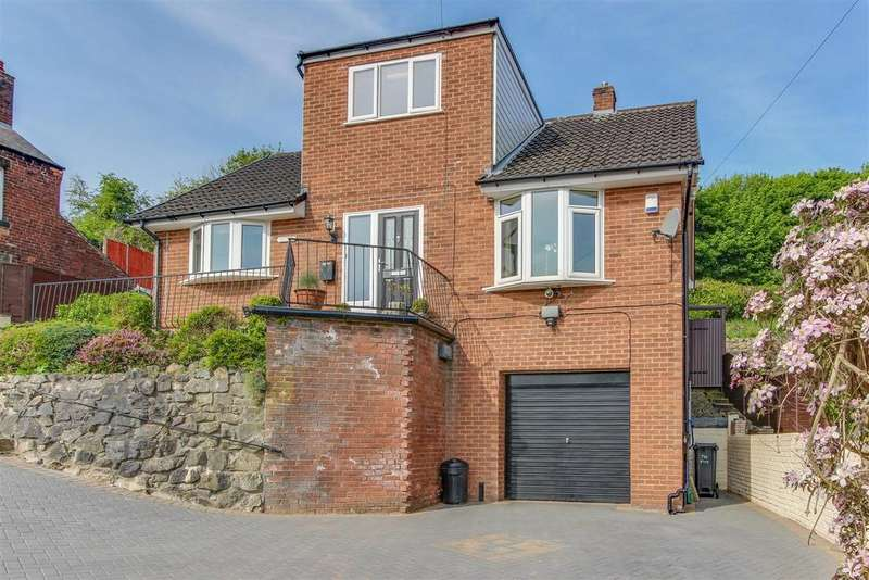 3 Bedrooms Detached Bungalow for sale in Hawarden Road, Caergwrle, Wrexham