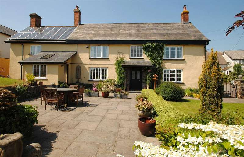 4 Bedrooms Detached House for sale in Bishops Nympton, South Molton