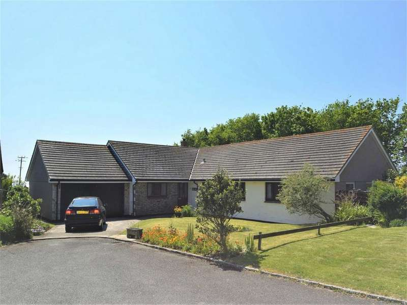 5 Bedrooms Detached Bungalow for sale in Mullion, HELSTON, Cornwall