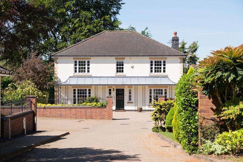 5 Bedrooms Detached House for sale in 2 The Paddock, South Parade, Ledbury, Herefordshire, HR8 2JH