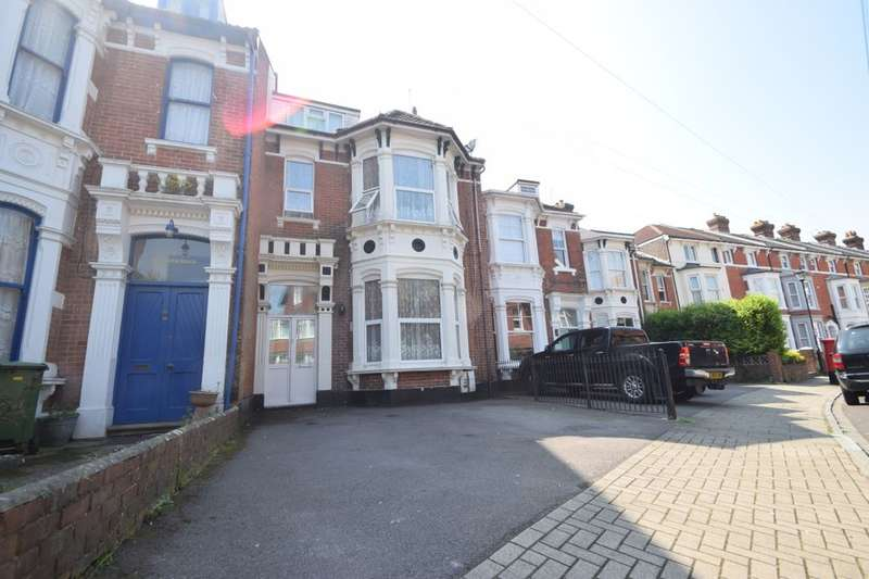 6 Bedrooms Terraced House for sale in Malvern Road, Southsea, PO5