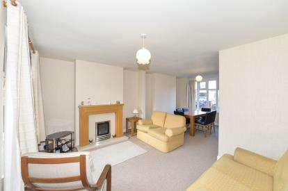 3 Bedrooms Semi Detached House for sale in Kingsley Road, Stockton-On-Tees, Durham, .