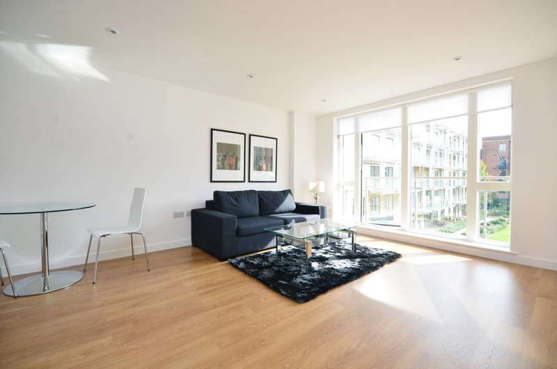 2 Bedrooms Flat for sale in Voysey Square, Bow, E3