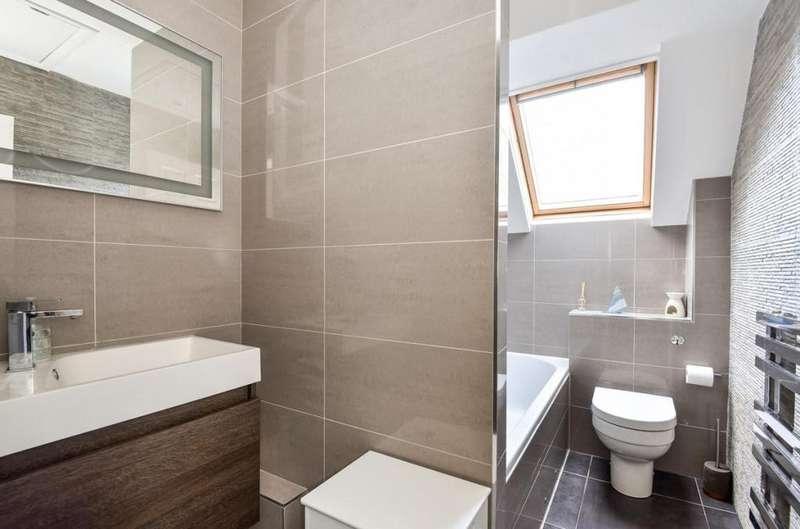 2 Bedrooms End Of Terrace House for sale in Owlsmoor, Sandhurst, GU47