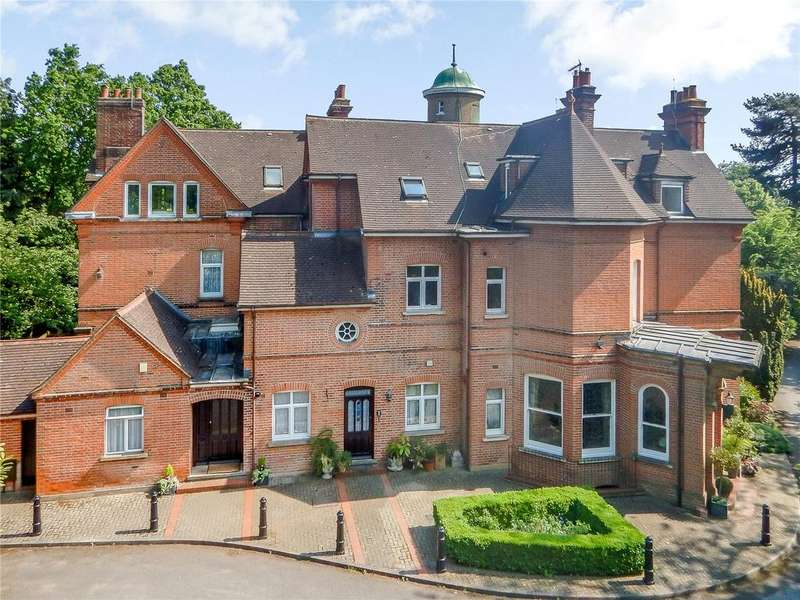3 Bedrooms Flat for sale in The Moorings, Althorp Road, St. Albans, Hertfordshire