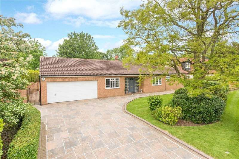4 Bedrooms Detached Bungalow for sale in Vicarage Green, Thurleigh, Bedford, Bedfordshire