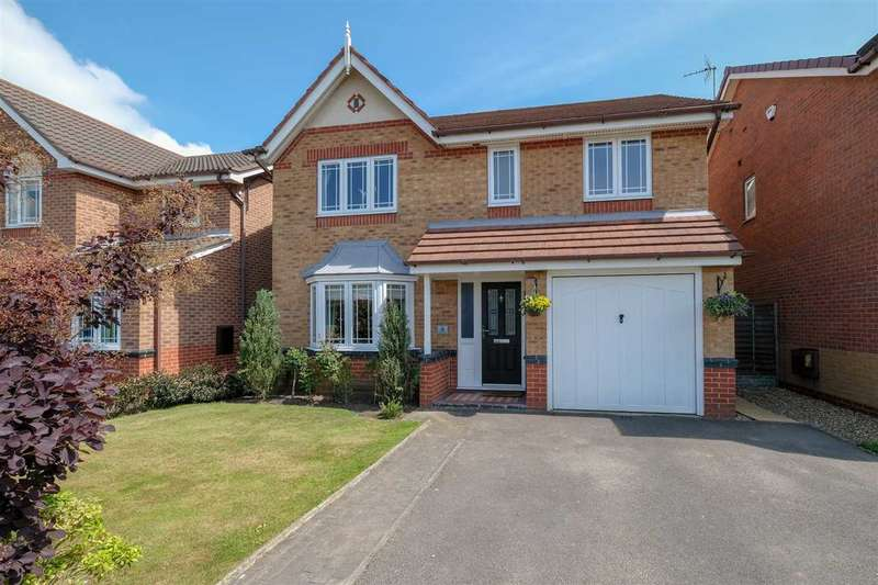 4 Bedrooms Detached House for sale in Galloway Close, Middlewich, Middlewich