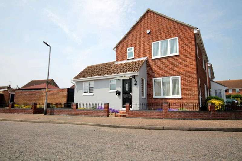3 Bedrooms House for sale in Camellia Avenue, Clacton on Sea