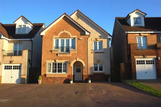 4 Bedrooms Detached House for sale in 19 Langhaul Avenue, Crookston, G53