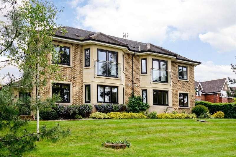 2 Bedrooms Maisonette Flat for sale in The Charter, Maze Green Road, Bishop's Stortford, Hertfordshire, CM23