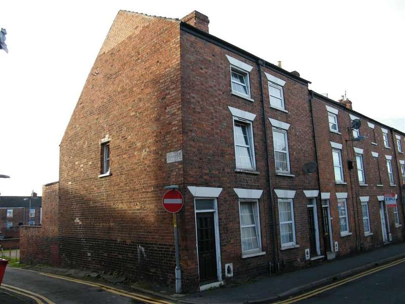 3 Bedrooms Terraced House for sale in Commercial Road, Grantham