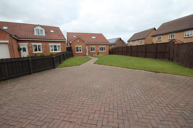 4 Bedrooms Detached Bungalow for sale in Mayflower Close, Marina, Hartlepool