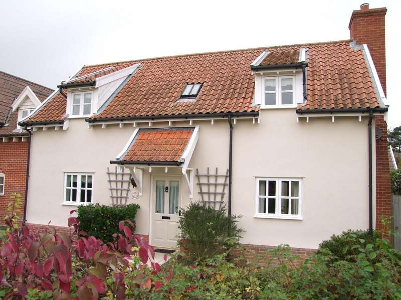 3 Bedrooms Semi Detached House for sale in Chandlers Way, Aldringham