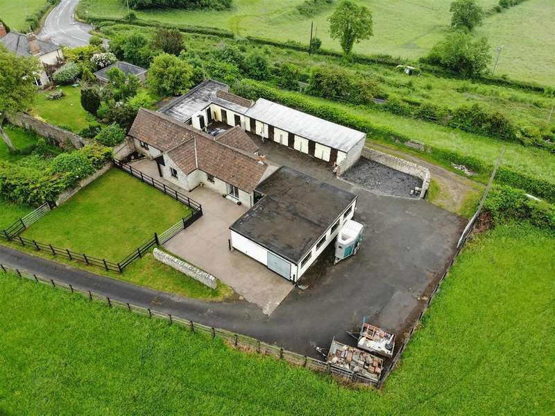 2 Bedrooms Detached Bungalow for sale in Wells Road, Rodney Stoke, Cheddar