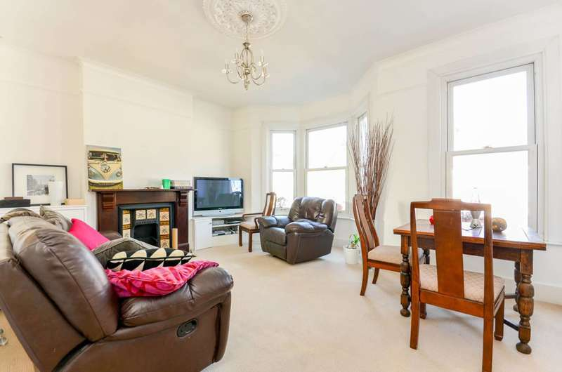 4 Bedrooms Flat for sale in Holmewood Road, Brixton Hill, SW2