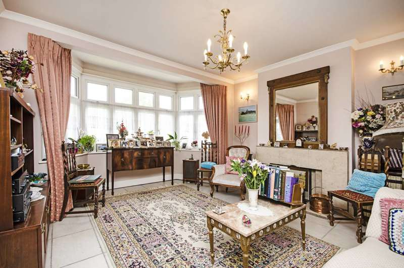 5 Bedrooms House for sale in Crespigny Road, Hendon, NW4